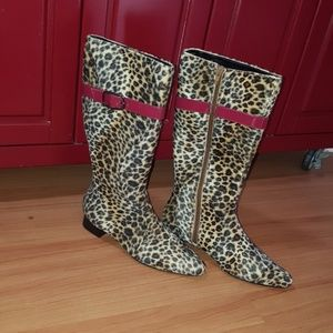 Gorgeous cheetah boots with red belt